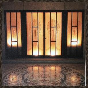 東京都庭園美術館 2000年頃の POST CARDより 玄関ホール ルネ ラリックの エッチングガラス